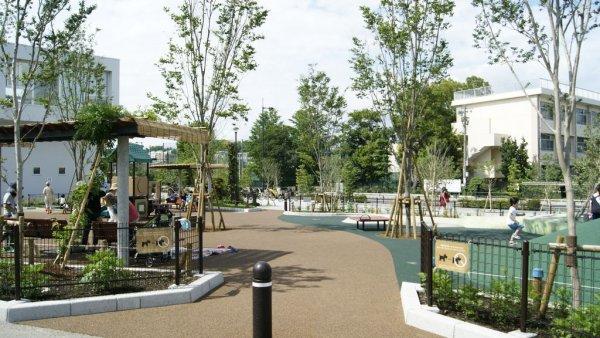 二子玉川公園旁的兒童公園.JPG